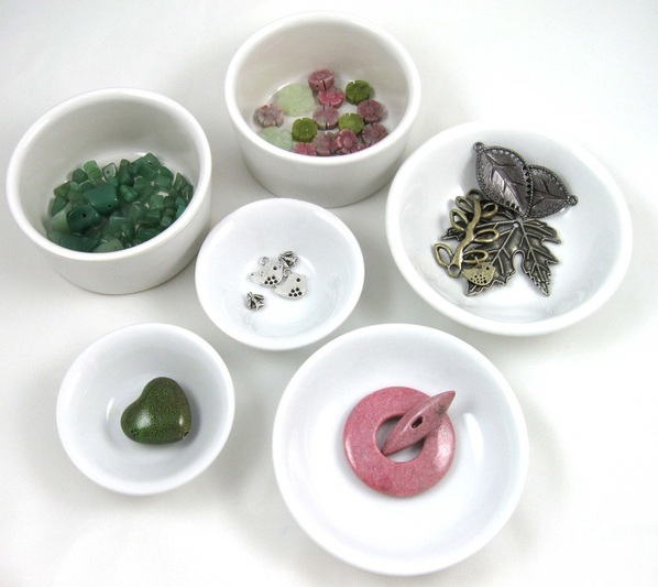 beads in small bowls