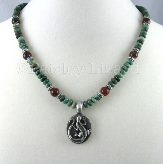 beaded necklace with lizard pendant