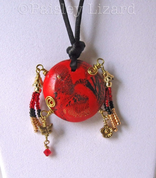 Picture of bead pendant necklace