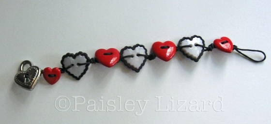 Picture of heart buttons bracelet