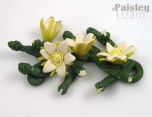 Cereus flowers neckpiece