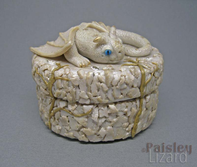 White dragon jewelry box top view